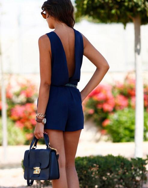 tuta-da-donna-con-pantaloncini-schiena-scoperta-vestito-da-spiaggia-casual